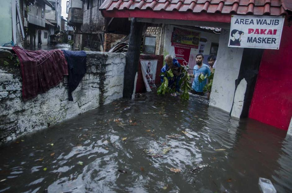 Banjir Rendam Puluhan Rumah Warga di Kota Bandung-2