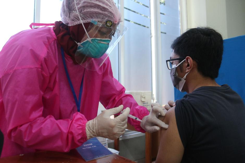 Mahasiswa Universitas Pancasila Jalani Vaksinasi Covid-19-0
