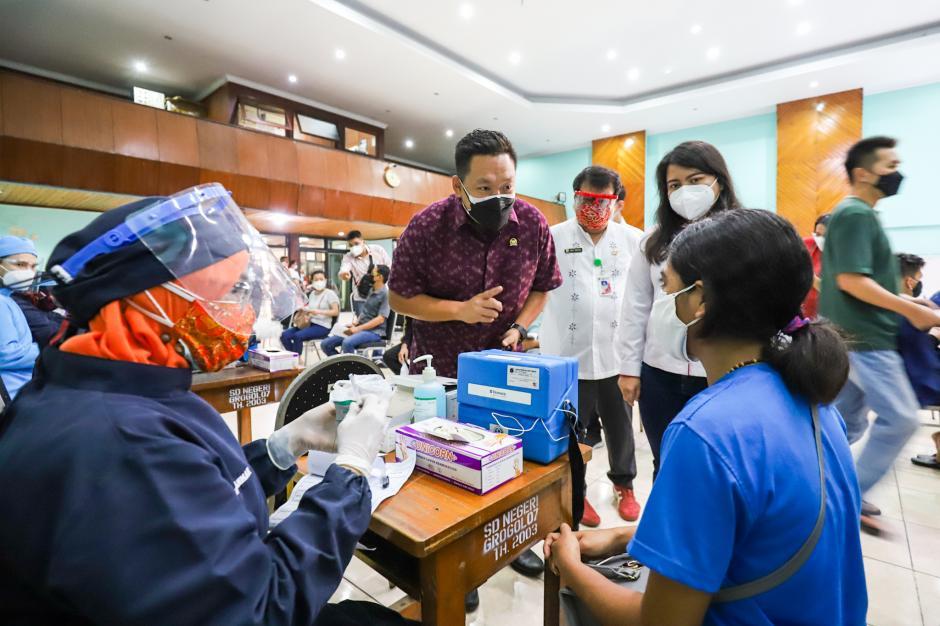 Vaksinasi Gotong Royong di Jakarta Barat-1