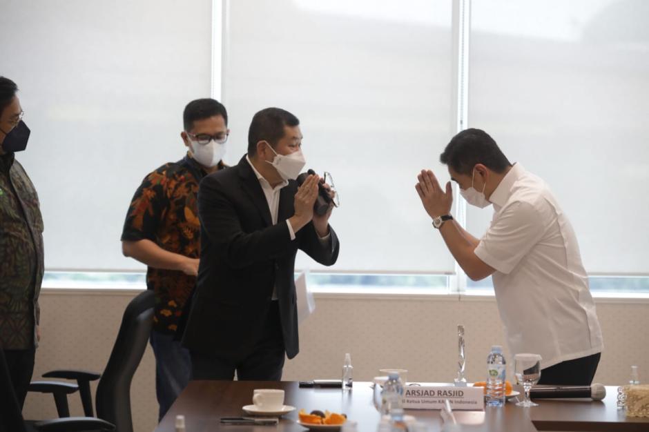 Waketum Kadin Indonesia Arsjad Rasjid Silaurahmi dengan Hary Tanoesoedibjo-2