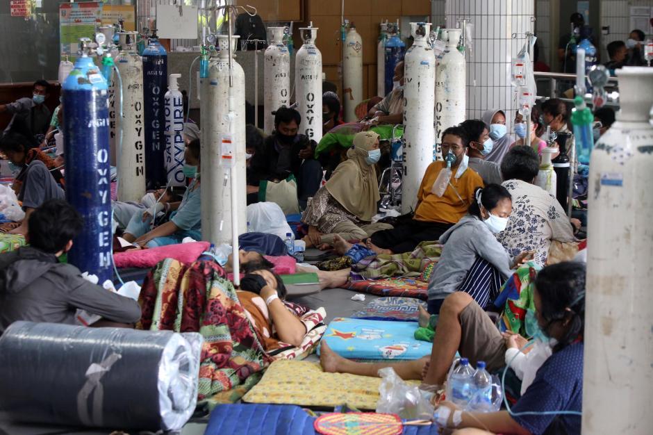 Over Kapasitas, Begini Suasana Antrean Pasien di IGD RSUD Dr. Soetomo Surabaya-0