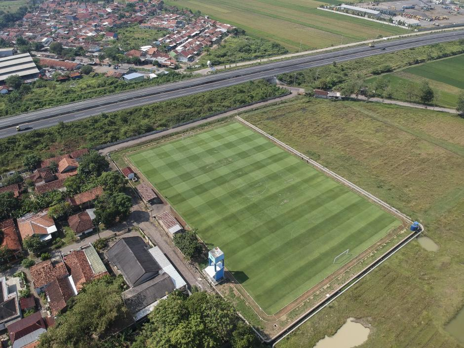 Keren, Desa Ini Miliki Lapangan Sepak Bola Berstandar FIFA-1