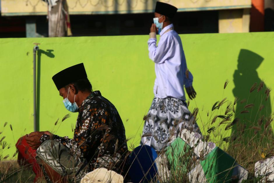 Tradisi Ziarah Kubur Usai Shalat Idul Adha-2
