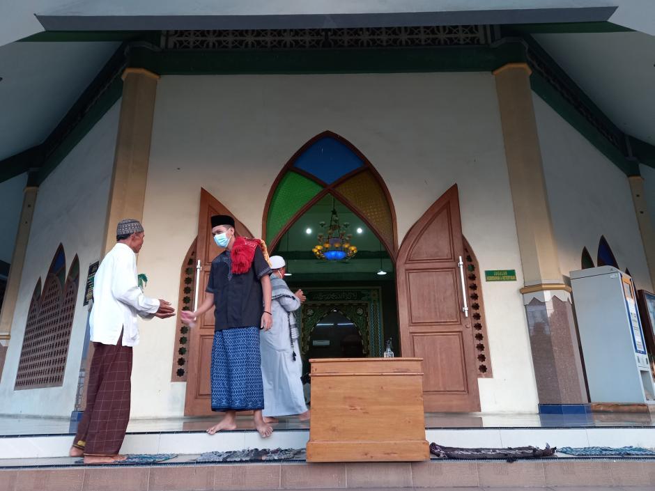 Warga Kuningan Semarang Gelar Sholat Idul Adha dengan Prokes di Tengah PPKM Darurat-1