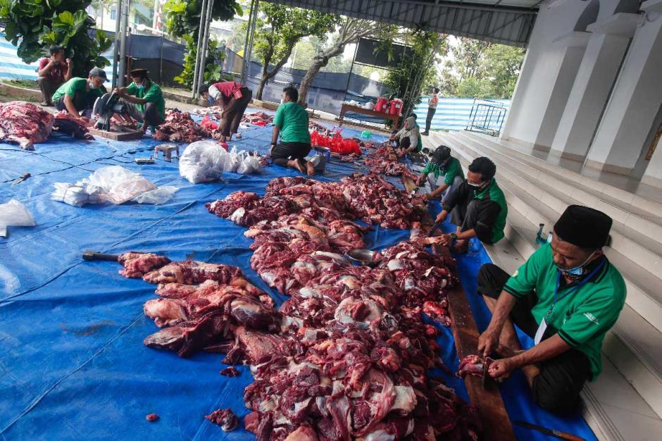 Pemotongan Hewan Kurban di Masjid Agung Al-Azhar Jakarta-3