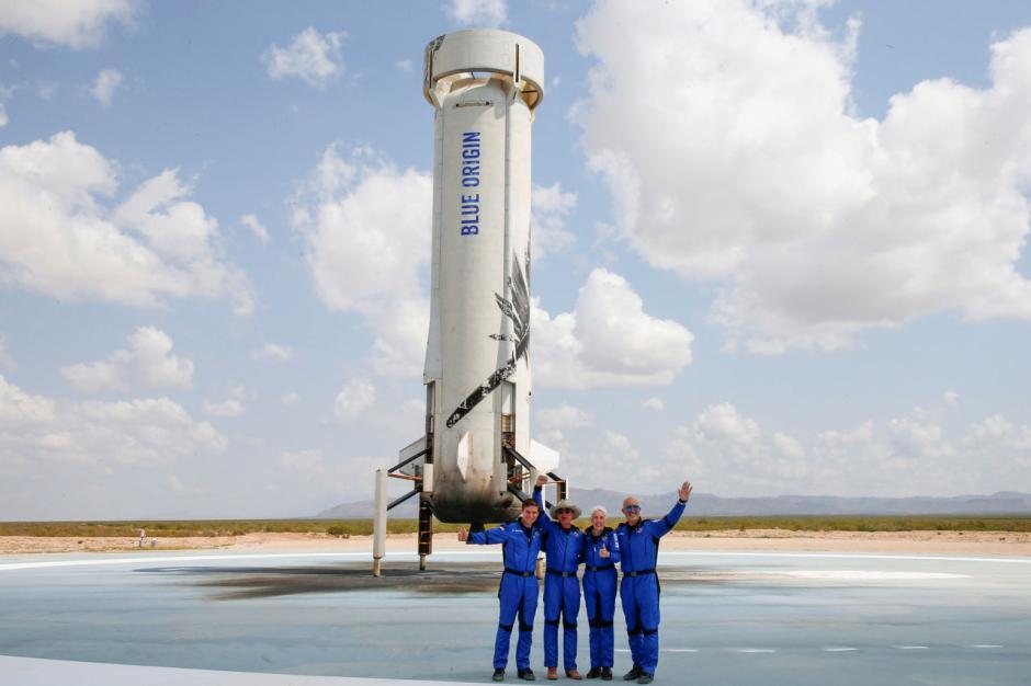 Wisata Luar Angkasa Pertama Jeff Bezos bersama Blue Origin-2