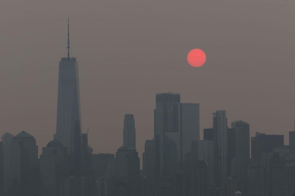 New York Diselimuti Kabut Asap Akibat Kebakaran Hutan-1