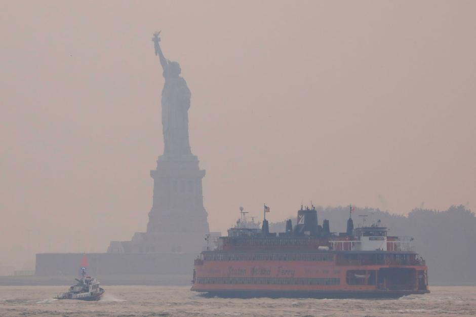 New York Diselimuti Kabut Asap Akibat Kebakaran Hutan-4