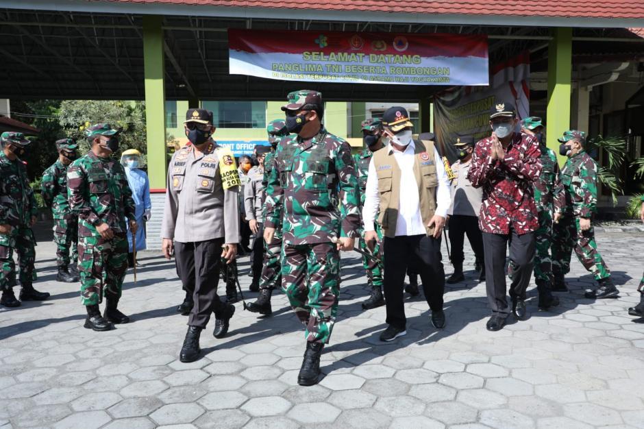 Panglima TNI: Isoter Merupakan Upaya Pemerintah Bantu Penanganan Pasien Covid-19-5