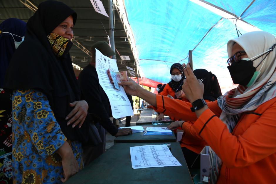 Begini Antrian Pengambilan BST di Surabaya-2