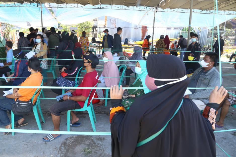 Begini Antrian Pengambilan BST di Surabaya-3