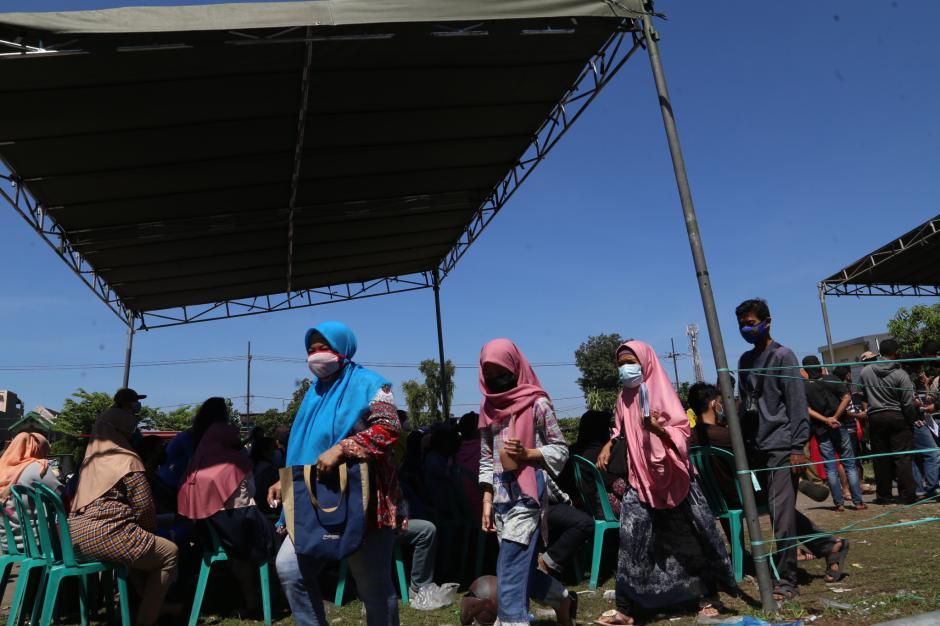 Begini Antrian Pengambilan BST di Surabaya-5