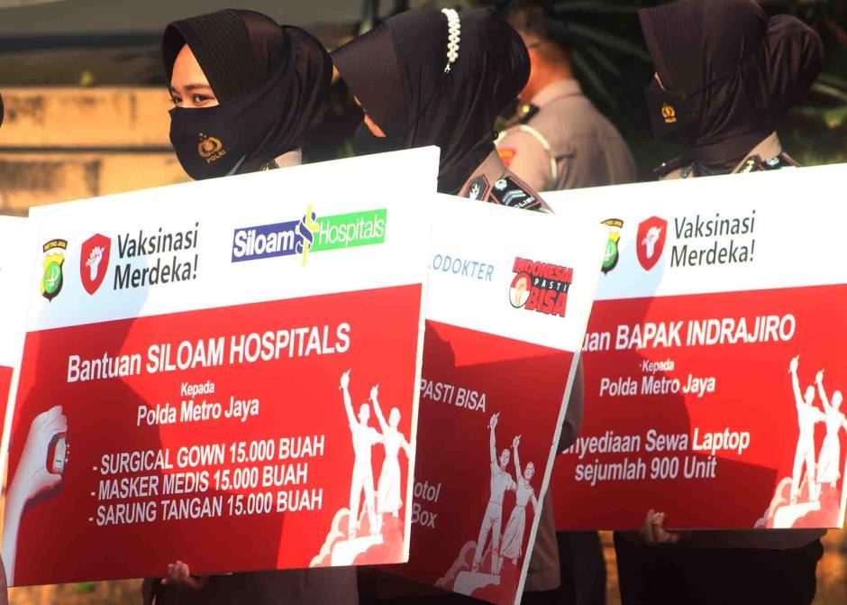 Siloam Hospitals Group Serahkan Bantuan Medis Dukung Program Vaksinasi Merdeka-2
