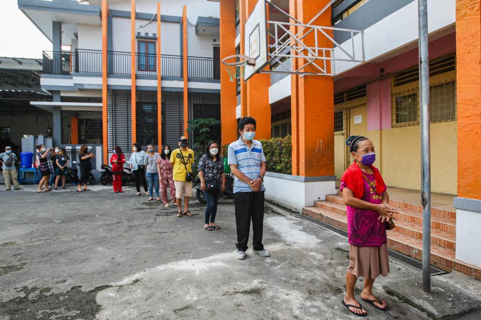 Gerkindo Peduli Bagikan Paket Sembako untuk Warga Terdampak Covid-19 di Tanjung Priuk-2