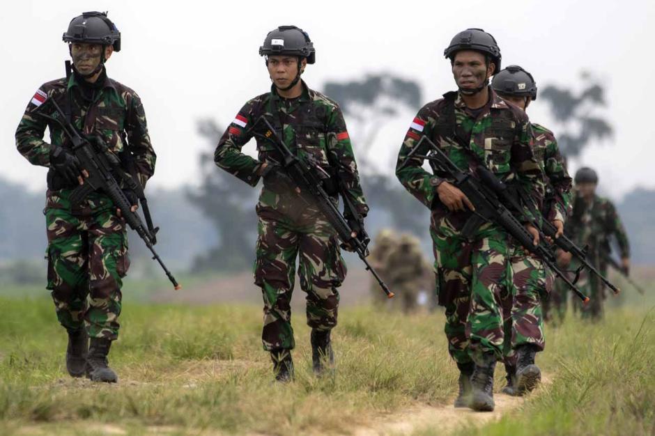 Intip Kekompakan Prajurit TNI AD dan Tentara Amerika Saat Latihan Terjun Garuda Airborne-1