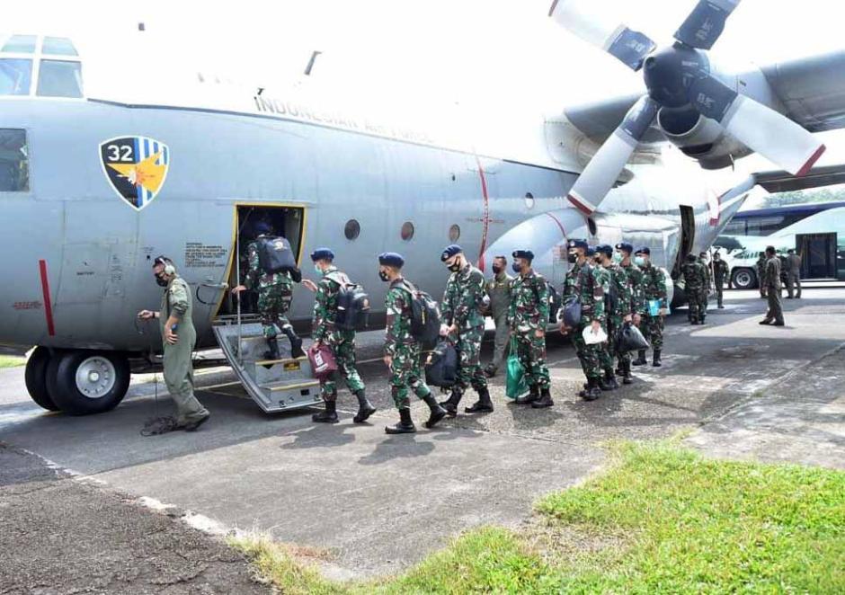 TNI Kirim Alkes dan Nakes ke Kalimantan dan Sulawesi-3