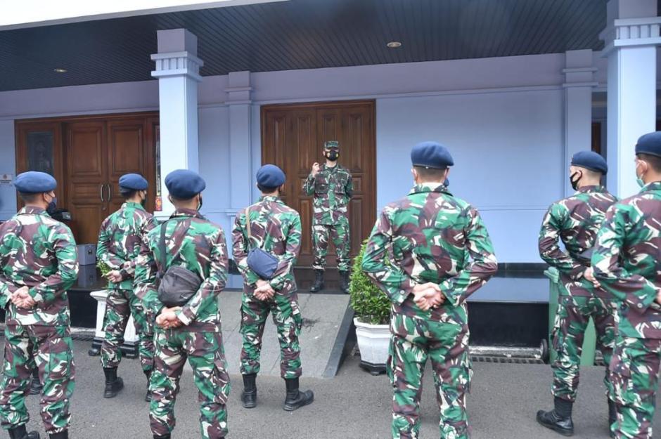 TNI Kirim Alkes dan Nakes ke Kalimantan dan Sulawesi-0