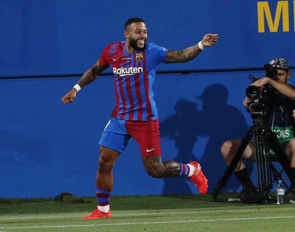 Barcelona Jinakkan Juventus di Trofi Joan Gamper, Memphis Depay Cetak Gol Lagi-3