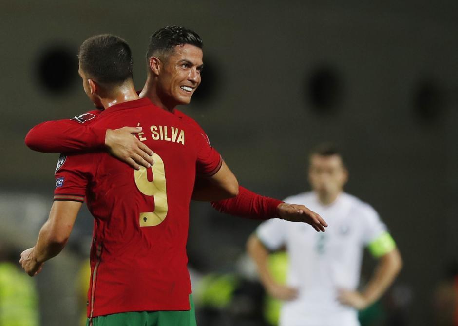 Borong Dua Gol, CR7 Cetak Rekor Baru dan Bawa Kemenangan Portugal Atas Irlandia-2